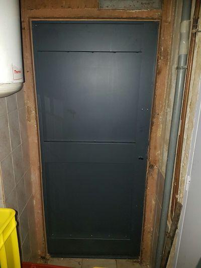 Installation de porte de cave blind e par votre serrurier for Installation porte blindee